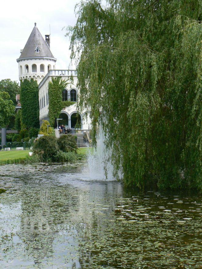 château du lac © monique d'haeyere