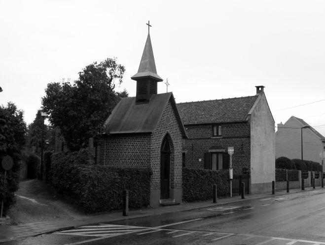 31 chapelle notre-dame de lourdes rue de la bruyère à genval © berna de wilde